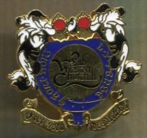 Pin´s - Bar Pub Anglais Winston Churchill - Paris Signé PINS UP - Boissons