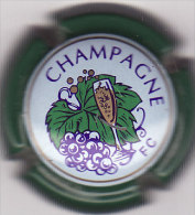 CAPSULE DE CHAMPAGNE N° 600 VERT INSCRIPTION FC COTE 1.50 EURO - Sonstige