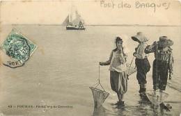 Depts Divers- Charente Maritime - Ref M 531 - Port Des Barques - Pecheuses De Crevettes - Peche - Carte Bon Etat - - Altri Comuni