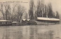 92 Crue De La Seine  , NEUILLY-LEVALOIS  L'Ile De La Jatte Submergée - Neuilly Sur Seine