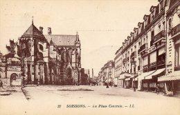 02 - SOISSONS - LA PLACE CENTRALE