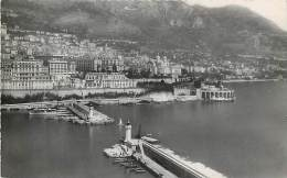 MONACO - MONTECARLO. VEDUTA SUL PORTO E SULLA CITTA' NEGLI ANNI '50. CARTOLINA DEL 1955 - Postales