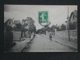 Ref2721 WA CPA De Eaubonne - Rue De La Gare - Vins En Gros J. Lacour. ND Phot. - Eaubonne