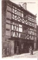 Saint-Brieuc (Côtes D'Armor) +/-1910-Ancien Hôtel Des Ducs De Bretagne, Rue Fardel-Peinture Vitrerie P.Rault-Cidre-Animé - Saint-Brieuc
