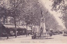 58 COSNE SUR LOIRE, Place De La République, Marché - Cosne Cours Sur Loire