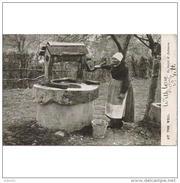 COSTP0604-LFTM1705TFPAOT.Tarjeta Postal INGLESA.Mujer Y Un Pozo De Agua.casa De Campo.CCLD - Flores, Plantas & Arboles