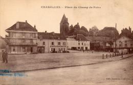 Cpa CHAROLLES (71) La Place Du Champ De Foire, Hôtel Villecourt, Carosserie, Landau Bras Levés, ... (35.40) - Charolles
