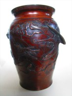 Grand Vase INDOCHINE  XIXè Siècle , En BRONZE , Signé , Décors D'arbres Et D'oiseaux En Relief - Art Asiatique