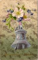 CPA Gaufrée - Cloche  Argentée  - Fleurs     (68059) - Fantaisies
