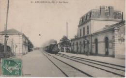 ANCENIS ( La Gare ) PETIT PLI BAS DROITE° - Ancenis