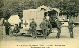 """ANGERS  / 49  """"  LE CONFLIT EUROPEEN DE 1914 """"  AUTO AMBULANCE   CAP  9 X 14 - Angers"""