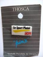 """Pin´s  """"Le Sport Plaisir"""" UCPA En Véritable Porcelaine De Limoges THOSCA - Andere"""