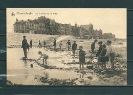 BLAKENBERGE: Jeux D'Enfants Sur La Plage, Niet Gelopen Postkaart  (GA12639) - Blankenberge