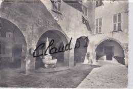 SOSPEL (06) Les Arcades Et La Fontaine,Café Du Pont - Sospel