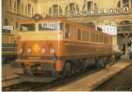 Nº 111 POSTAL DE ESPAÑA DE UNA LOCOMOTORA ELECTRICA EN BARCELONA (TREN-TRAIN-ZUG) AMICS DEL FERROCARRIL - Trenes