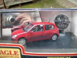 EAGLE COLLECTIBLES - RENAULT CLIO PRIVILEGE  Scala 1/43 - Cars & 4-wheels