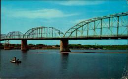 N° 28 361   LYONS FULTON BRIDGE ACROSS THE MISSISSIPPI RIVER CLINTON IOWA - Etats-Unis