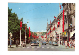 Norvege: Oslo, Karl Johansgate Mot Slottet, Main Street Karl Johan The Royal Palace In The Background, Automobile, Vespa