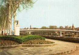 82 - MAUTAUBAN - Le Nouveau Pont Et La Statue D'Adolphe Poult . - Montauban