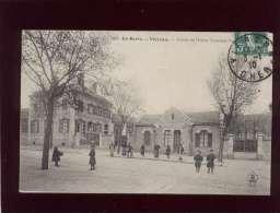 18 Vierzon Entrée De L'école Nationale Professionnelle édit. AA Bourges  N° 1986 Animée - Vierzon