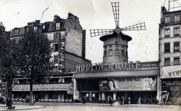 LE MOULIN ROUGE  PLACE BLANCHE  VOIR AFFICHES - France