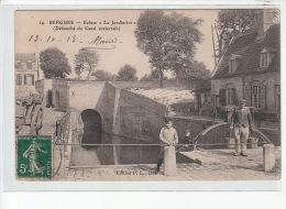 """BERGUES - Ecluse """"La Jardinière"""" (débouché Du Canal Souterrain) - PORTEUR D'EAU - Très Bon état - Bergues"""
