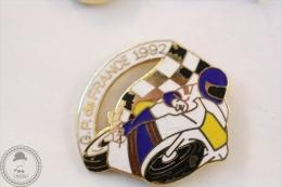 G.P. De France 1992 Motorcycle/ Motorbikes Racing - Pin Badge #PLS - Motos