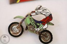Motocross Motorcycle/ Motorbike - Pin Badge #PLS - Motos