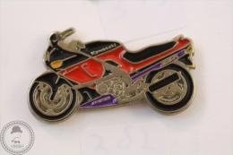 Kawasaki 600 ZZR Motorcycle/ Motorbike  - Pin Badge #PLS - Motos