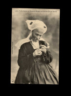 29 - FOUESNANT - Costumes - Coiffes - Corn-tan - Briquet Breton - Fouesnant