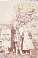 23840 Blanc Mesnil -famille 1955 -5x8 Cm Enfant  - Lieux
