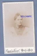 Photo Ancienne CDV De 1870 - DANZIG & ZOPPOT - Jolie Jeune Fille - Photographie Emil Frenzl - RARE - Fotos