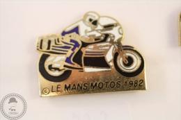 Le Mans Motos 1982 Motorcycle/ Motorbike Racing - Pin Badge #PLS - Motos