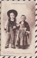 D551 Bretagne EN ROUTE POUR LA NOCE ENFANTS DE PONTIVY WARON ST BRIEUC Coiffe Costume - Costumes