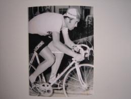 CYCLISME CICLISMO RADSPORT WIELRENNEN :  Eddy MERCKX  Maillot Jaune FAEMINO   Reproduction - Cyclisme
