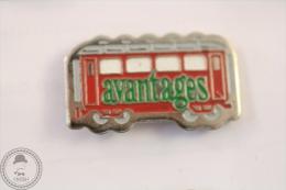 France Advertising Tram/ Tramway Avantages Magazine - Pin Badge #PLS - Transportes