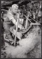 CPM 56 - CARO - Yvon Kervinio - Fête Artisanale 1983 - Jean Macé, Bourrelier Travaille à La Cardeuse - France