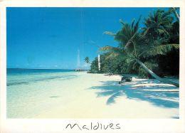 Atoll Island, Maldives Postcard Used Posted To UK 2003 Nice Stamp - Maldives