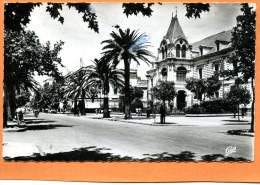 SIDI BEL ABBES  BOULEVARD DE LA REPUBLIQUE  ET HOTEL DE VILLE - Algeria