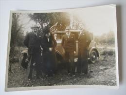 Frankreich / Marokko Altes Auto Mit Familie / Männer Im Anzug. Ca. 1930er Jahre - Automobile