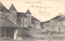 CPA 52 VARENNES PLACE DES TOURELLES - Francia