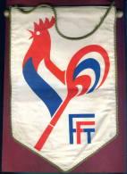 W75 / SPORT Fédération Française De Tennis AUTOGRAPH 17.5 X 27.5 Cm. Wimpel Fanion Flag France Frankreich Francia - Handtekening