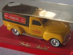 DODGE BACHE VOITURE Collection COCA COLA  éch 1/43ème SOLIDO - Coca-Cola