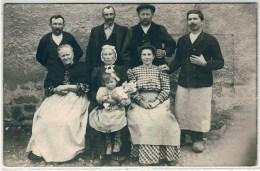 TASSIN: Plan TOP Sur La Famille De Jacques Navarra, Blanchisseur. Carte Photo Identifiée Au Verso - Autres Communes