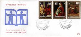 RWANDA - ENVELOPPE   TIMBRE -  REPUBLIQUE  RWANDAISE -  Année Internationale Du Livre  - 1er Jour - 1970-79: FDC