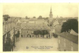 Florennes. Cour D'entrée De L'école Apostolique De Florennes. - Florennes