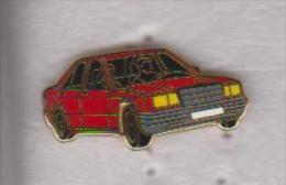 Pin's BMW ROUGE SIGNE ARTHUS BERTRAND - BMW