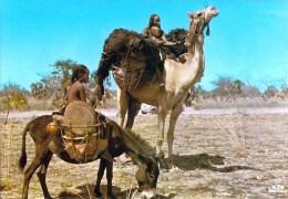 1 AK * Tschad Tchad  * eine Frau mit ihren Kindern bei Abeche *