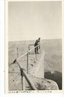 NI�A JUNTO A SU PADRE EN UNA PASARELA DEL GRAN CA�ON  FOTOGRAFIA  CIRCA 1930   OHL