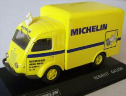 VOITURE Collection MICHELIN Saviem SG2 éch 1/43ème TBE - Autres